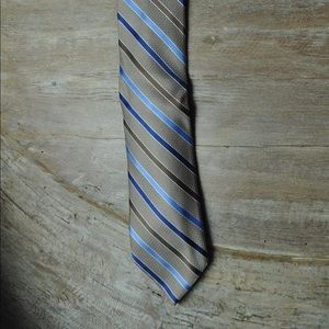 Croft $ Barrow silk tie